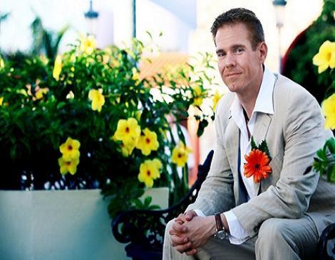 C mo ir vestido a una boda for Boda en jardin como vestir hombre