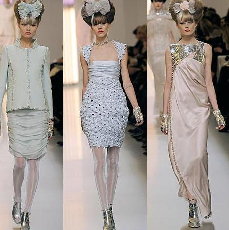 ... amarillo rosa y blanco salieron las modelos del desfile de chanel en