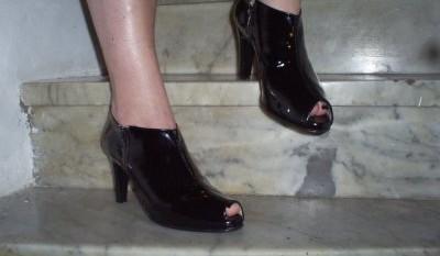 Grandes Pies Para Mujeres Con Zapatos BqtIRwx