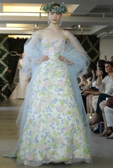 new oscar de la renta wedding dresses spring 2013 010 Las novias azules de Oscar de la Renta