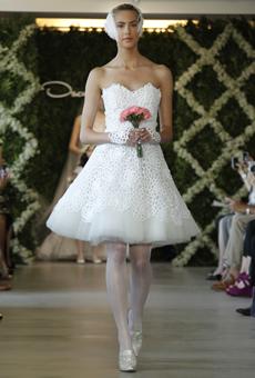 new oscar de la renta wedding dresses spring 2013 012 Las novias azules de Oscar de la Renta