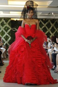 new oscar de la renta wedding dresses spring 2013 035 Las novias azules de Oscar de la Renta