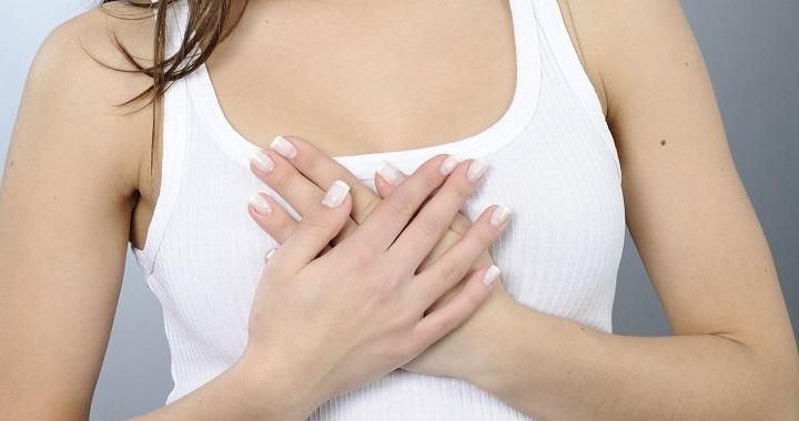 Los ejercicios para el aumento del pecho por medio de las pesas