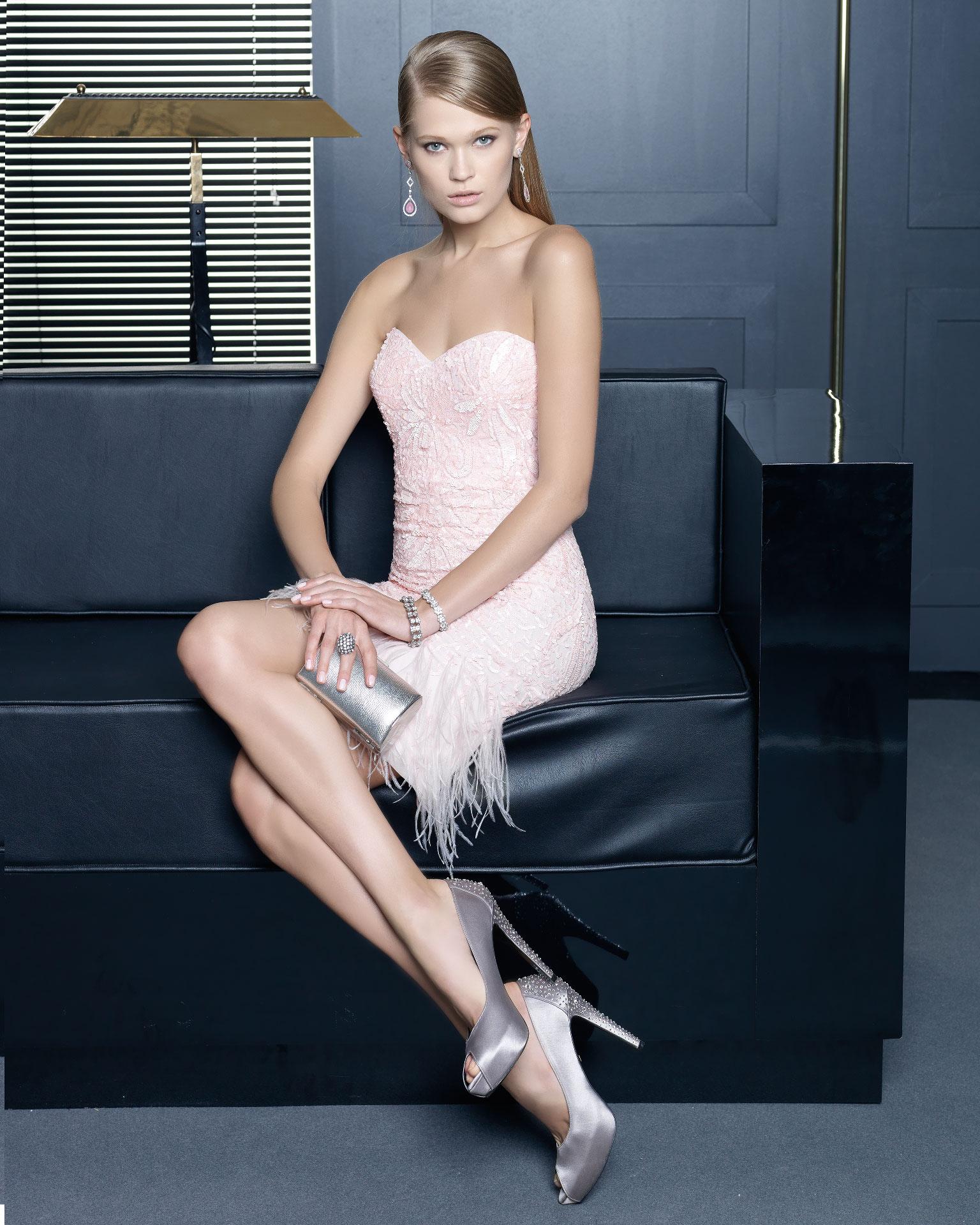 Vestidos de fiesta cortos rosa clara precios