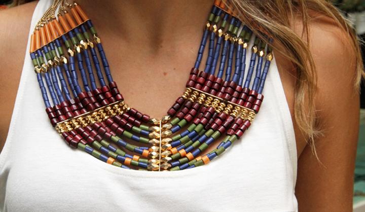 como combinar collares maxi