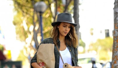 Jessica Alba stops at a hardware store in West Hollywood, where she bought butcher paper and other items  Featuring: Jessica Alba Where: Los Angeles, CA, United States When: 12 Oct 2013 Credit: WENN.com