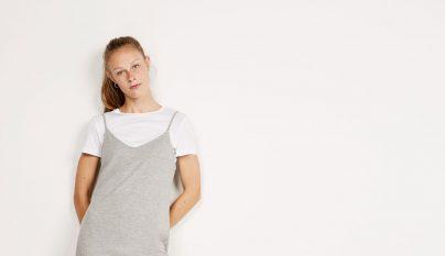 camiseta-debajo-vestido-12